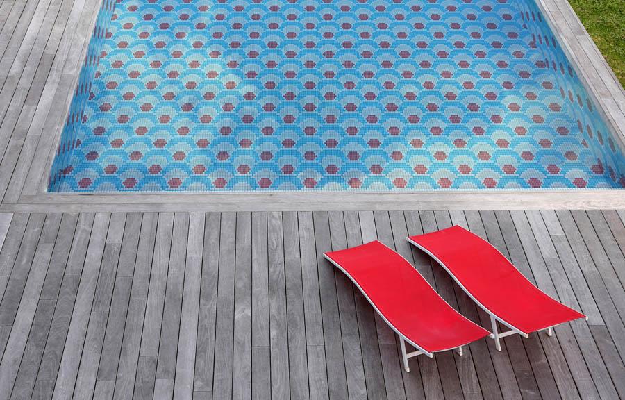 La couleur arrive dans les piscines de design